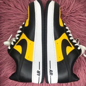 Nike Men's AF1 13 Black and Yellow
